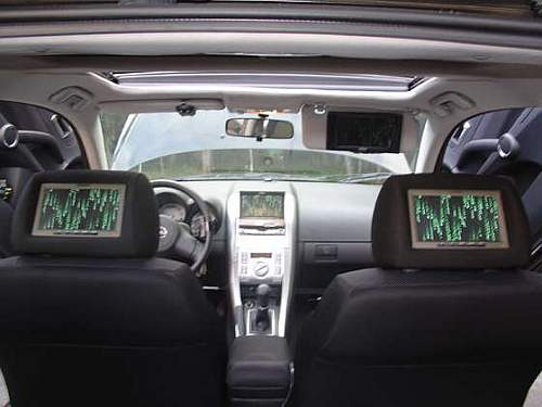 xbox-console-fitted-in-a-car-1